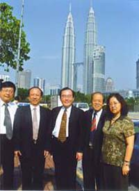���[���l�P��(Twin Towers)