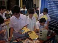 學生們對本校所提供之各項資訊非常感到興趣