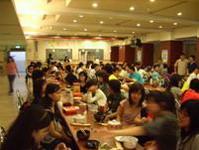 同學們共同參與慶生活動